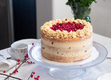 puolukka-kinuski-kakku
